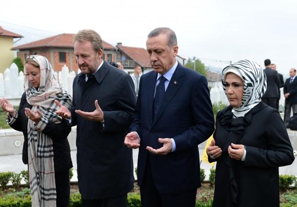 erdogan_bakir_sabin_na_mezaru_alije